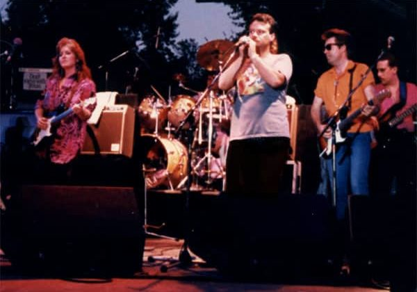 Curtis Salgado, Bonnie Raitt, Tony Branunagel, Johnny Lee Schell, and Hutch Hutchinson